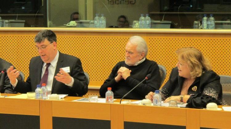 Jean-Benoit au parlement Europeen a bruxelles2