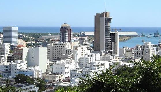 Port-Louis, capitale d'île Maurice.  Crédit: Thierry / CC 3.0