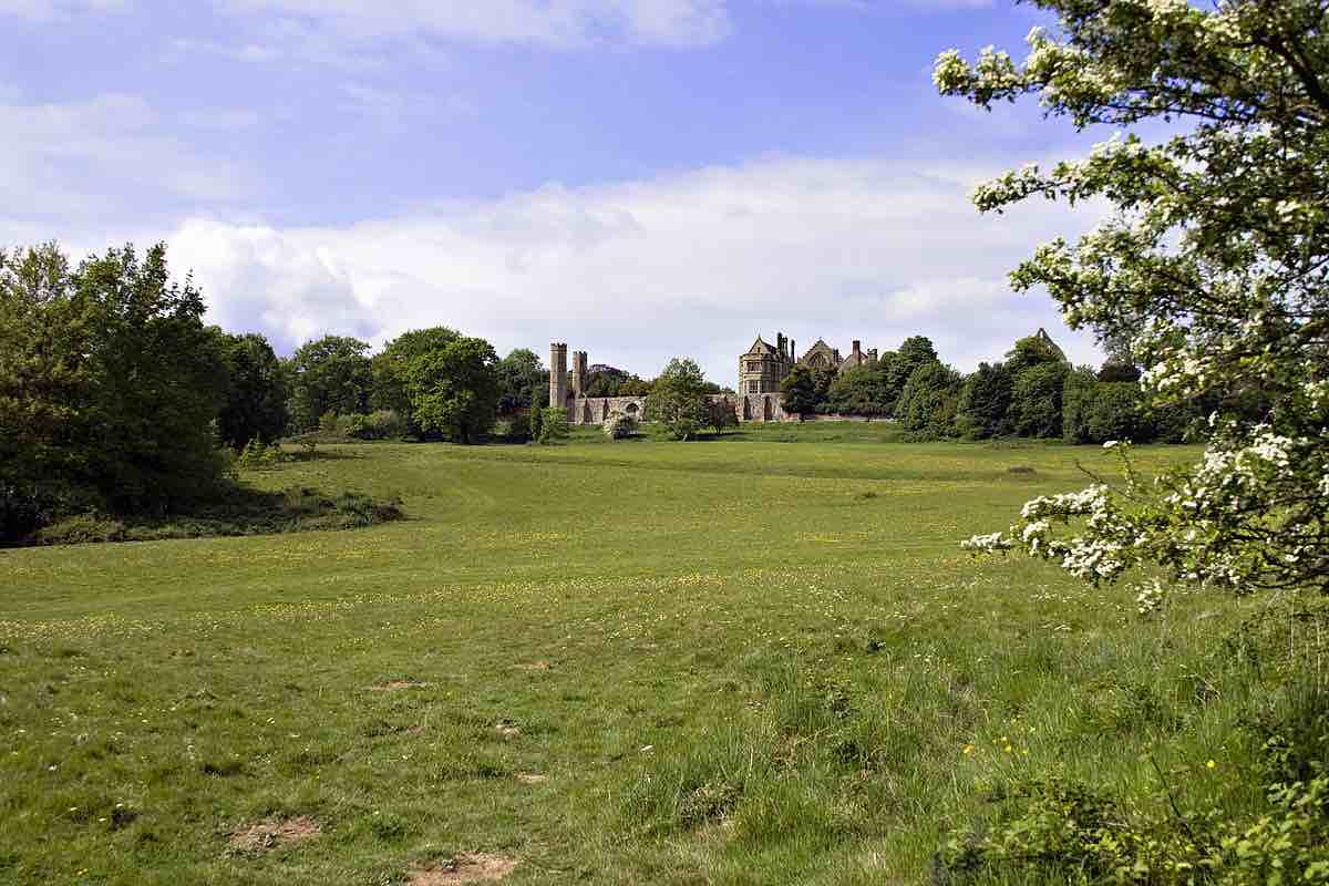 C'est dans ce joli pré d'Hastings que l'Angleterre est devenue française en 1066. Crédit: Ealdgyth CC 3.0