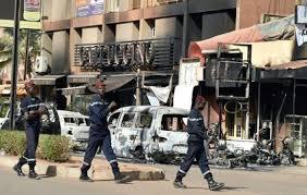 Carnage à Ouagadougou, au Burkina Faso. Depuis le 11 septembre 2001, c'est le pire attentat touchant des Canadiens. Photo: Le Parisien